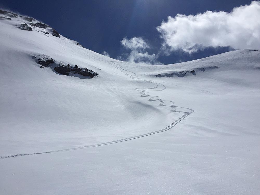 powder-tracks